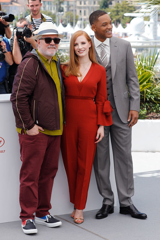 . CANNES, FRANCE - MAY 17:  (L-R)  President of the jury Pedro Almodovar, jury members Jessica Chastain and Will Smith attend the Jury photocall during the 70th annual Cannes Film Festival at Palais des Festivals on May 17, 2017 in Cannes, France.  (Photo by Andreas Rentz/Getty Images)
