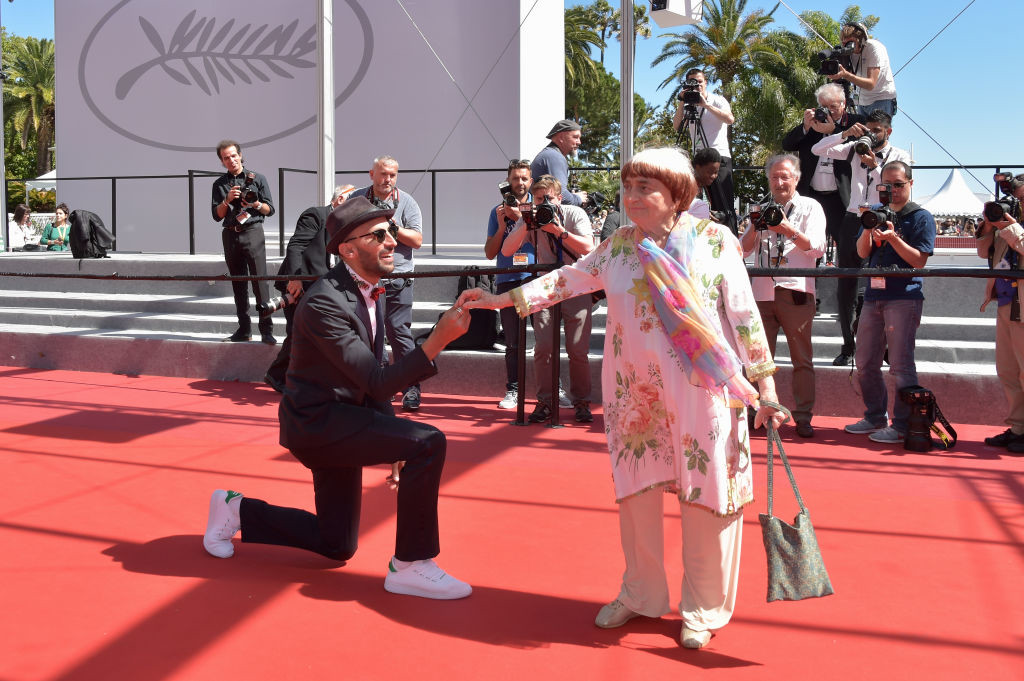 ". CANNES, FRANCE - MAY 19:  (L-R) Directors JR and Agnes Varda attend the ""Faces, Places (Visages, Villages)\"" screening during the 70th annual Cannes Film Festival at Palais des Festivals on May 19, 2017 in Cannes, France.  (Photo by Pascal Le Segretain/Getty Images)"