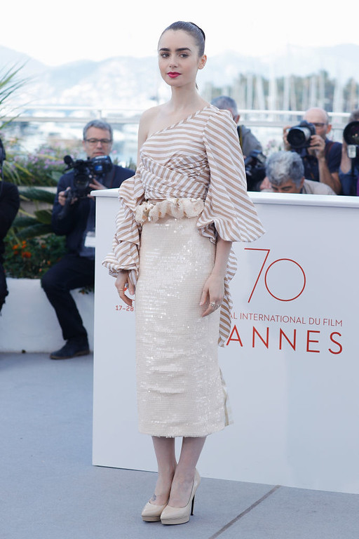 ". CANNES, FRANCE - MAY 19:  Actress Lily Collins attends the ""Okja\"" photocall during the 70th annual Cannes Film Festival at Palais des Festivals on May 19, 2017 in Cannes, France.  (Photo by Andreas Rentz/Getty Images)"