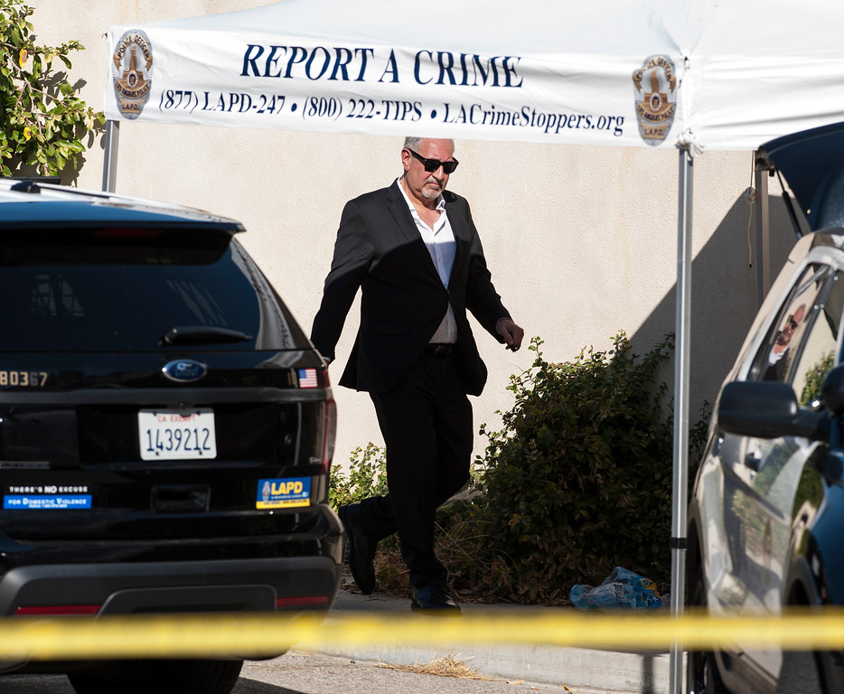 . Attorney Mark Geragos leaves entertainer Chris Brown\'s home at the 5000 block Corbin Ave in Tarzana CA on Tuesday, August 30, 2016. (Photo by ED CRISOSTOMO, STAFF PHOTOGRAPHER)