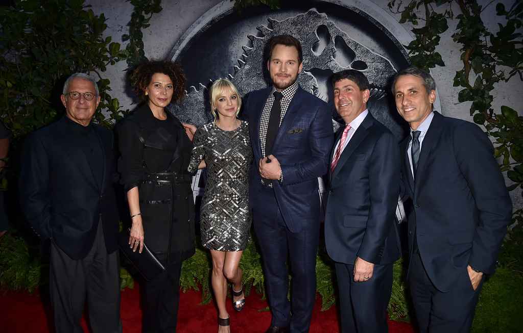 ". HOLLYWOOD, CA - JUNE 09:  (L-R) NBCUniversal Vice Chairman Ron Meyer, Universal Pictures Chairman Donna Langley, actors Anna Faris, Chris Pratt, Filmed Ent. Group Chairman Jeff Shell and Universal Pictures Production Co-President Peter Cramer attend the Universal Pictures\' ""Jurassic World\"" premiere at the Dolby Theatre on June 9, 2015 in Hollywood, California.  (Photo by Kevin Winter/Getty Images)"
