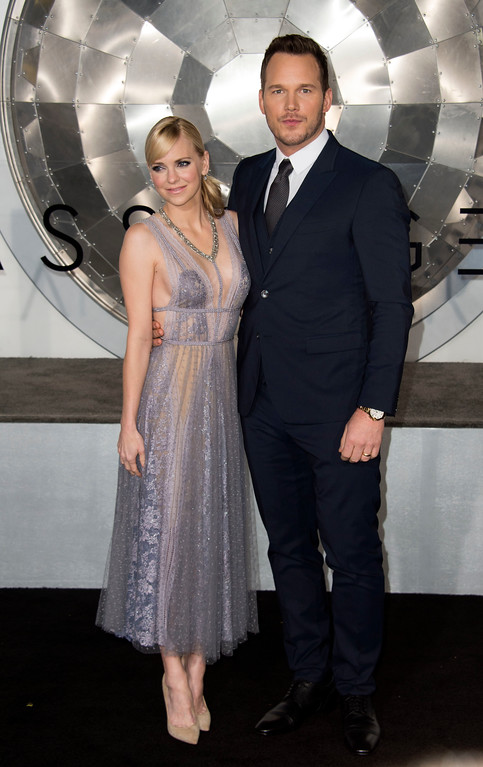 ". Actors  Anna Faris (L) and Chris Pratt attend the premiere of ""Passengers\"", in Westwood, California, on December 14, 2016. (VALERIE MACON/AFP/Getty Images)"