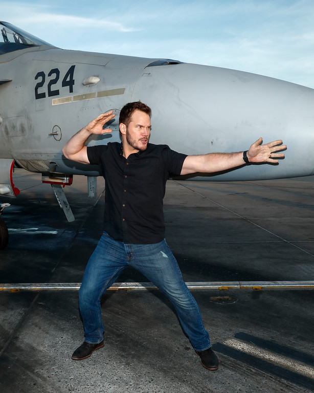 . Actor Chris Pratt jokes around at Marine Corps Air Station Miramar on December 12, 2016 in San Diego, California.  (Photo by Rich Polk/Getty Images for Sony Pictures Entertainment )