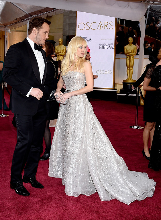 . HOLLYWOOD, CA - FEBRUARY 22:  Actors Chris Pratt (L) and Anna Faris attend the 87th Annual Academy Awards at Hollywood & Highland Center on February 22, 2015 in Hollywood, California.  (Photo by Kevork Djansezian/Getty Images)