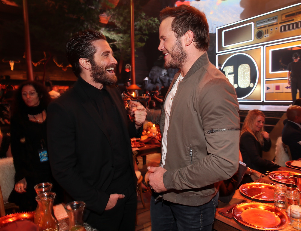 . CULVER CITY, CA - JUNE 06:  Actors Jake Gyllenhaal (L) and Chris Pratt attend Spike TV\'s Guys Choice 2015 at Sony Pictures Studios on June 6, 2015 in Culver City, California.  (Photo by Christopher Polk/Getty Images for Spike TV)