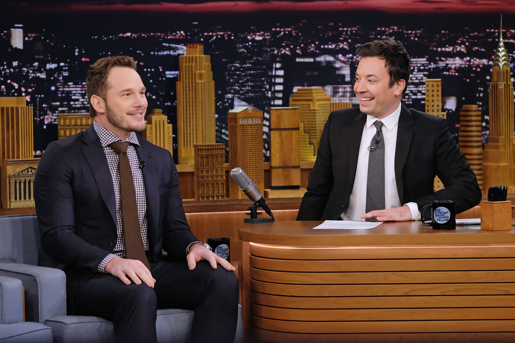 ". NEW YORK, NY - DECEMBER 06:  Actor Chris Pratt (L) is interviewed by host Jimmy Fallon as he visits ""The Tonight Show Starring Jimmy Fallon\"" at Rockefeller Center on December 6, 2016 in New York City.  (Photo by Mike Coppola/Getty Images for NBC)"