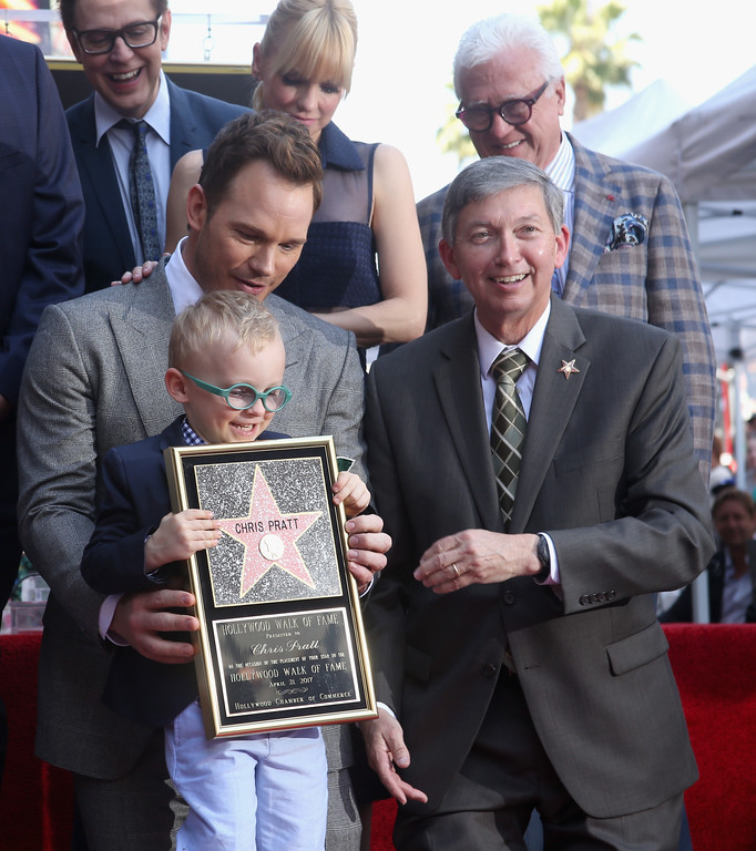 . HOLLYWOOD, CA - APRIL 21: Writer/director James Gunn (top L) and actor Anna Faris (L-R bottom) Jack Pratt, actor Chris Pratt and Hollywood Chamber of Commerce, President/CEO Leron Gubler at the Chris Pratt Walk Of Fame Star Ceremony on April 21, 2017 in Hollywood, California.  (Photo by Jesse Grant/Getty Images for Disney)