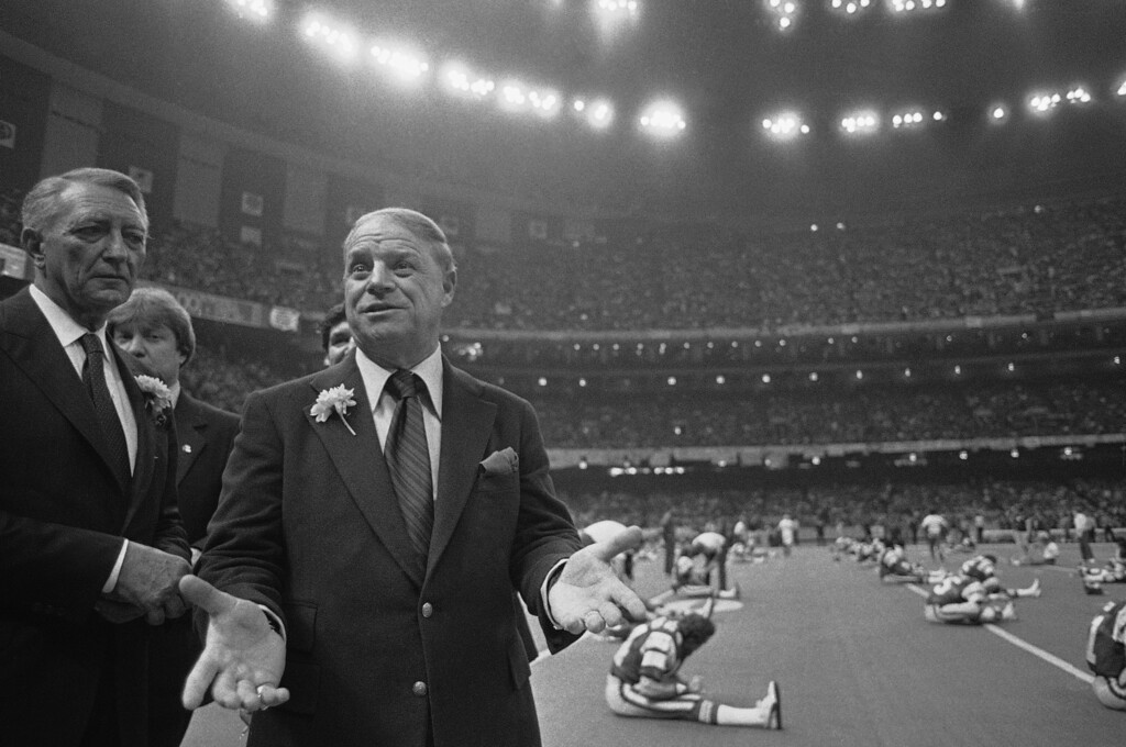 """. Comedian Don Rickles on the sidelines of the New Orleans Superdome watching the Philadelphia Eagles warmup in preparation of the Super Bowl XV game on Jan. 25, 1981.   Rickles says, \""""Men in Green will win or it will be a long cold bus ride back to L.A.\"""" (AP Photo/Pete Leabo)"""