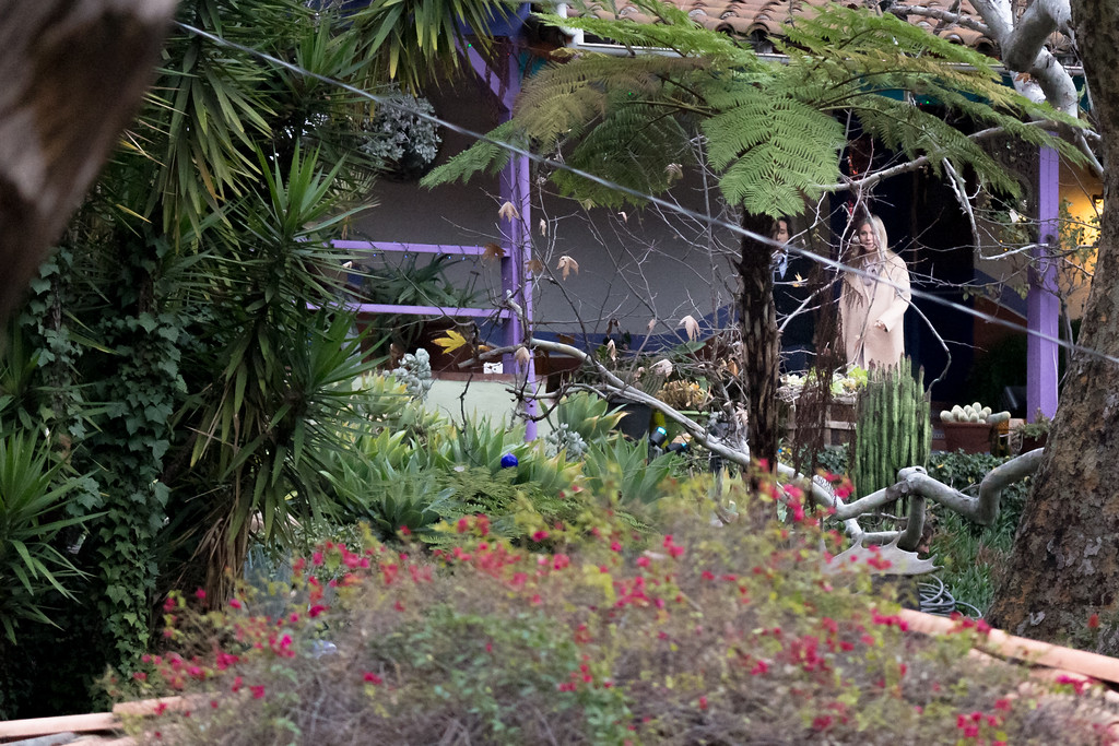 . BEVERLY HILLS, CA - JANUARY 05:  Actress Gwyneth Paltrow leaves the private memorial at the former residence of actress Carrie Fisher January 5, 2017 in Beverly Hills, California.  Fisher, 60, died December 27, 2016 after suffering a medical emergency onboard a flight from London to Los Angeles December 23.  Debbie Reynolds, Fisher\'s mother, died December 28, 2016 of an apparent stroke.  It has been reported that a joint funeral service will be held at Forest Lawn Memorial Park in the coming days.  (Photo by Greg Doherty/Getty Images)