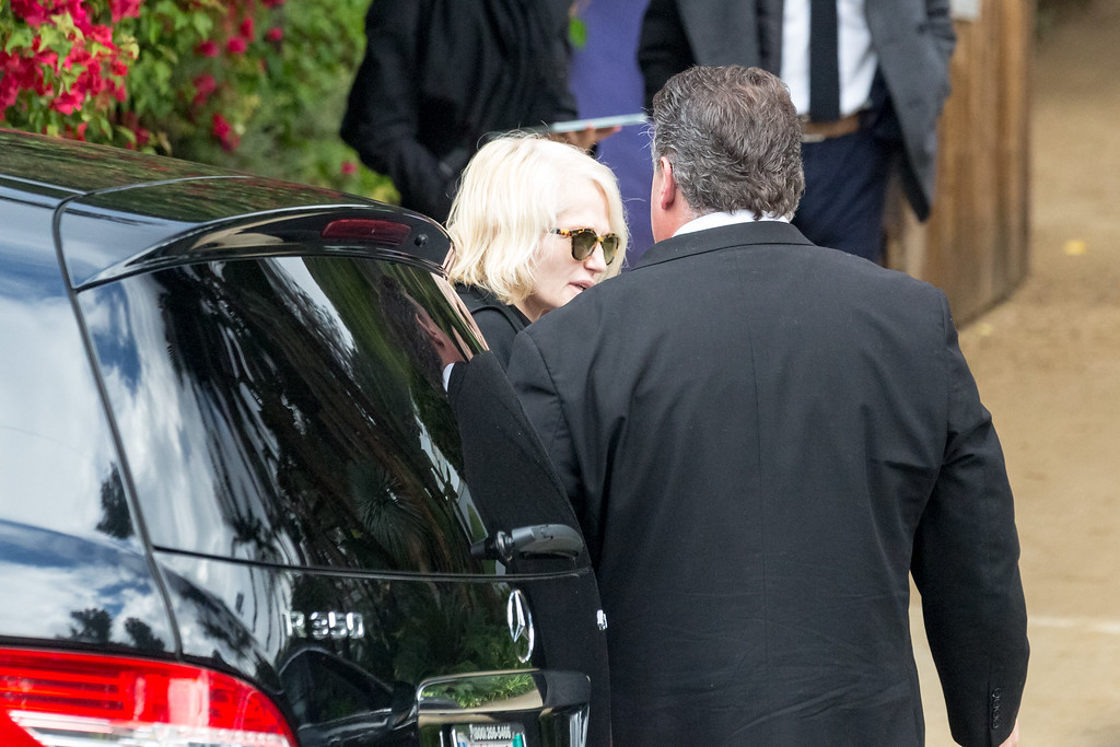 . BEVERLY HILLS, CA - JANUARY 05:  Actress Ellen Barkin leaves the private memorial at the former residence of actress Carrie Fisher January 5, 2017 in Beverly Hills, California.  Fisher, 60, died December 27, 2016 after suffering a medical emergency onboard a flight from London to Los Angeles December 23.  Debbie Reynolds, Fisher\'s mother, died December 28, 2016 of an apparent stroke.  It has been reported that a joint funeral service will be held at Forest Lawn Memorial Park in the coming days.  (Photo by Greg Doherty/Getty Images)