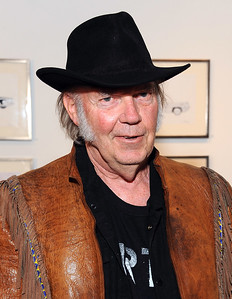 521824795AW032_NEIL_YOUNG_O
