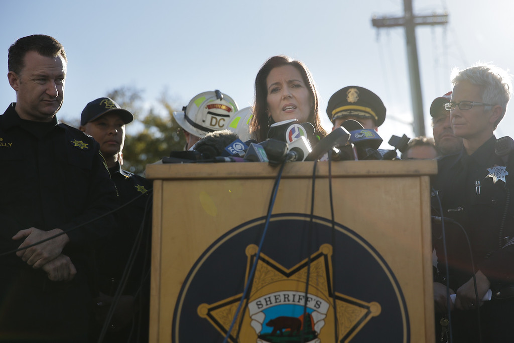 . OAKLAND, CA - DECEMBER 03: Oakland Mayor Libby Schaaf speaks at a press conference following an overnight fire that claimed the lives of at least nine people at a warehouse in the Fruitvale neighborhood on December 3, 2016 in Oakland, California. The warehouse was hosting an electronic music party.  (Photo by Elijah Nouvelage/Getty Images)