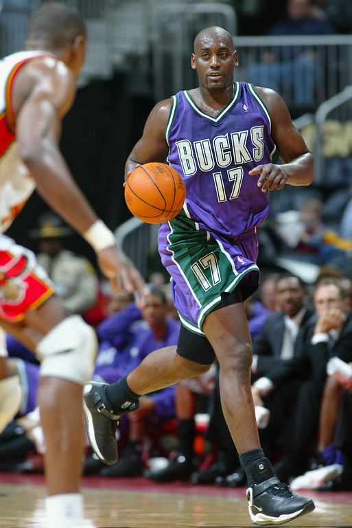 . Anthony Mason #17 of the Milwaukee Bucks drives the ball during the NBA game against the Atlanta Hawks at Phillips Arena on December 5, 2002 in Atlanta, Georgia.    (Photo by Jamie Squire/Getty Images)