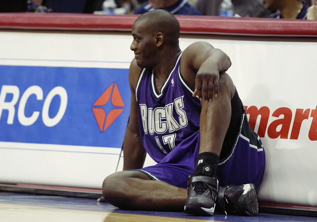 . Anthony Mason #17 of the Milwaukee Bucks waits to check in during the NBA game against the Los Angeles Clippers at Staples Center on February 19, 2003 in Los Angeles, California.      (Photo by Lisa Blumenfeld/Getty Images)