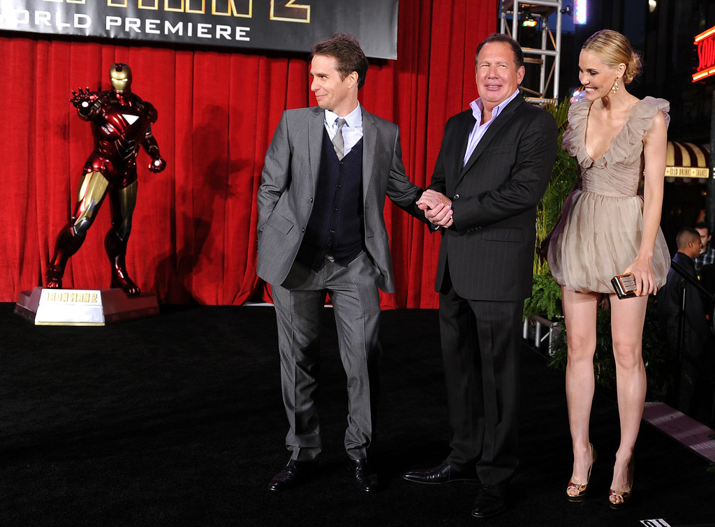 ". (L-R) Actors Sam Rockwell, Garry Shandling and Leslie Bibb arrive at the world premiere of Paramount Pictures and Marvel Entertainment\'s ""Iron Man 2� held at El Capitan Theatre on April 26, 2010 in Hollywood, California.  (Photo by Kevin Winter/Getty Images)"