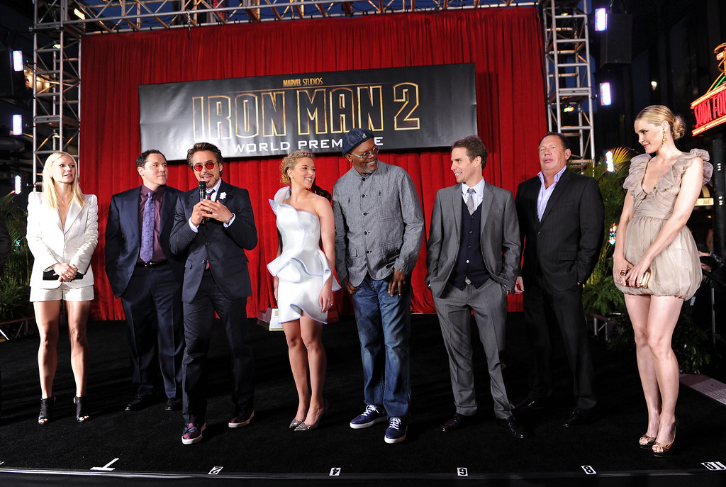 """. (L-R) Actors Gwyneth Paltrow, director/executive producer Jon Favreau, actor Robert Downey Jr., actress Scarlett Johansson, actor Samuel L. Jackson, Sam Rockwell, Garry Shandling and Leslie Bibb arrive at the world premiere of Paramount Pictures and Marvel Entertainment\'s \""""Iron Man 2� held at El Capitan Theatre on April 26, 2010 in Hollywood, California.  (Photo by Kevin Winter/Getty Images)"""