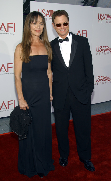 . LOS ANGELES - JUNE 12:  Actor Gary Sinise and his wife Moira attend the 30th AFI Life Achievement Award June 12, 2002 in Hollywood, California. The event, which honored actor Tom Hanks, was held by the American Film Institute.  (Photo by Vince Bucci/Getty Images)