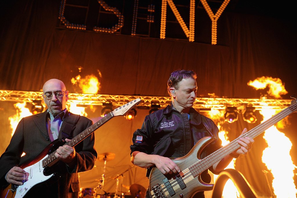 """. STUDIO CITY, CA - OCTOBER 29:  Guitarist Ernie Denov, actor Gary Sinise & the Lt. Dan Band perform at the 6th annual \""""CSI: NY\"""" mid-season bash on October 29, 2010 in Studio City, California.  (Photo by Alberto E. Rodriguez/Getty Images)"""
