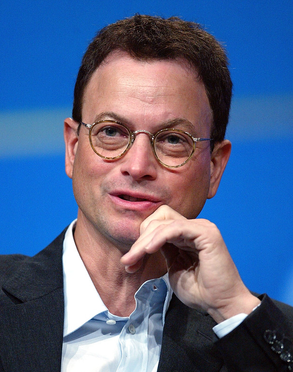""". LOS ANGELES - JULY 18:  Actor Gary Sinise of \""""CSI: NY\"""" speaks with the press at the TCA Press Tour CBS Day 1 at the Century Plaza Hotel on July 18, 2004 in Los Angeles, California.  (Photo by Frederick M. Brown/Getty Images)"""
