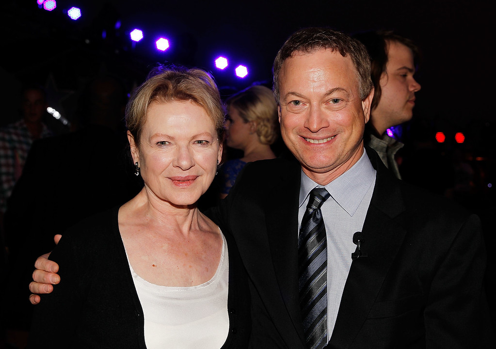 . WASHINGTON, DC - MAY 24:  Dianne Wiest and Gary Sinise pose for a photo at the 25th National Memorial Day Concert rehearsals show finale at U.S. Capitol West Lawn on May 24, 2014 in Washington, DC.  (Photo by Paul Morigi/Getty Images for Capitol Concerts)