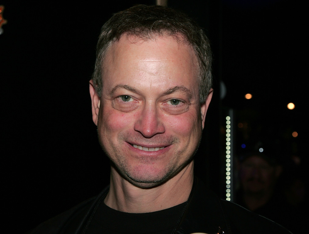 . ANAHEIM, CA - JANUARY 16:  Actor Gary Sinise attends the 2010 NAMM Show - Day 3 at the Anaheim Convention Center on January 16, 2010 in Anaheim, California.  (Photo by David Livingston/Getty Images for NAMM)