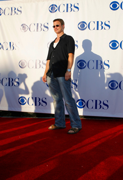 . Actor Gary Sinise arrives at the CBS stars party held at the Rose Bowl in Pasadena, Calif., Saturday, July 15, 2006. (AP Photo/Lucas Jackson)