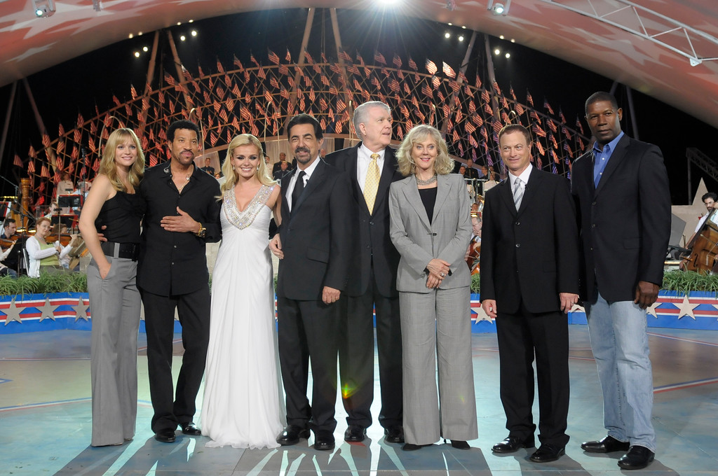 . WASHINGTON - MAY 29: A.J. Cook, Lionel Richie, Katherine Jenkins, Joe Mantegna, Blythe Danner, Gary Sinise and Dennis Haysbert pose for photographers during the Annual PBS National Memorial Day Concert Rehearsals at the US Capitol on May 29, 2010 in Washington, DC. (Photo by Kris Connor/Getty Images)