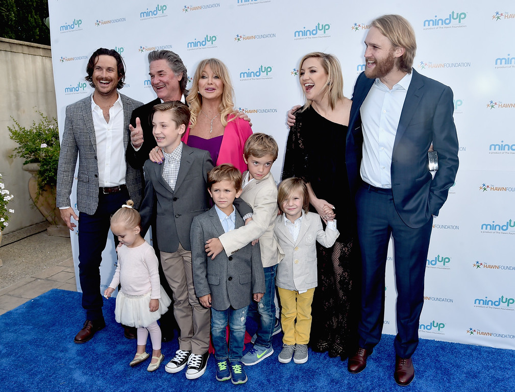 . BEVERLY HILLS, CA - MAY 06:  (back row) Actors Oliver Hudson, Kurt Russell, Goldie Hawn, Kate Hudson and Wyatt Russell attend Goldie Hawn\'s Annual Goldie\'s Love In For Kids on May 06, 2016 in Beverly Hills, California.  (Photo by Alberto E. Rodriguez/Getty Images)