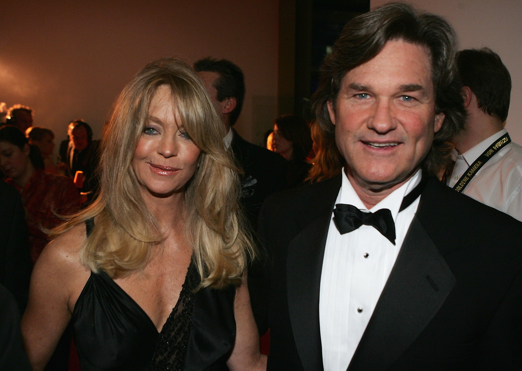 """. BERLIN - FEBRUARY 9: Goldie Hawn and Kurt Russell arrive at the \""""Goldene Kamera\"""" Awards at Axel Springer House on February 9, 2005 in Berlin, Germany. (Photo by Sean Gallup/Getty Images)"""