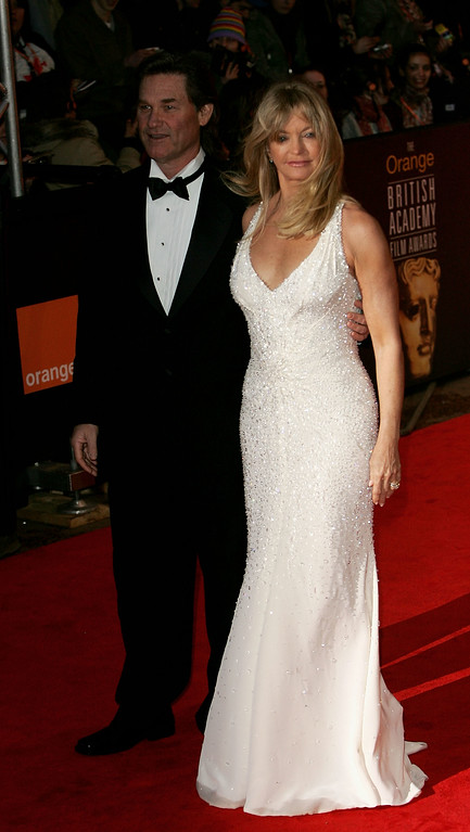 . LONDON - FEBRUARY 12:  Actors Goldie Hawn and Kurt Russell arrive at the Orange British Academy Film and Television Awards at the Odeon Leicester Square, February 12, 2005 in London.  (Photo by M J Kim/Getty Images)