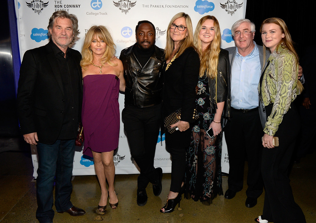 . HOLLYWOOD, CA - FEBRUARY 11:  (L-R) Actors Kurt Russell, Goldie Hawn, host will.i.am, Senior vice president of retail and online stores at Apple Inc. Angela Ahrendts, daughter and Ron Conway and guest attend will.i.am\'s i.am.angel Foundation TRANS4M 2016 Gala at Milk Studios on February 11, 2016 in Hollywood, California.  (Photo by Kevork Djansezian/Getty Images for i.am angel foundation)