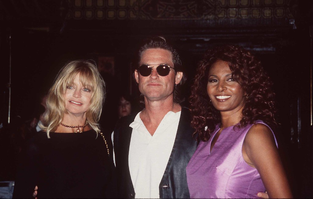 """. 8/7/96 LOS ANGELES, CALIF. Kurt Russell, Goldie Hawn and Pam Grier at the premiere of \""""Escape from L.A.\"""" (Getty Images)"""