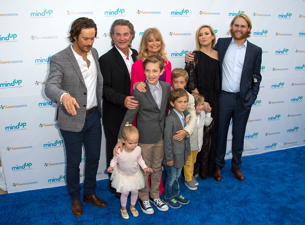 """. Actors Oliver Hudson, Kurt Russell, Goldie Hawn, Wyatt Russell and Kate Hudson with kids Ryder Robinson, Wilder Hudson, Bodhi Hudson, Rio Hudson and Bingham Bellamy attend Goldie Hawn\'s Annual \""""Goldie\'s Love in for Kids\"""" Event, in Beverly Hills, California, on May 6, 2016. (VALERIE MACON/AFP/Getty Images)"""