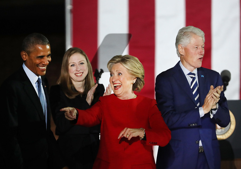 . PHILADELPHIA, PA - NOVEMBER 07:  Democratic presidential nominee former Secretary of State Hillary Clinton stands with President Barack Obama, former President Bill Clinton and daughter Chelsea during an election eve rally on November 7, 2016 in Philadelphia, Pennsylvania. As the historic race for the presidency of the United States comes to a conclusion, both Clinton and her rival Donald Trump are making their last appearances before voting begins tomorrow.  (Photo by Spencer Platt/Getty Images)