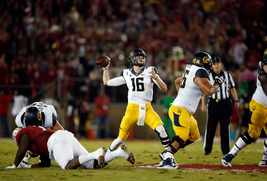 . Jared Goff #16 of the California Golden Bears throws the ball during their game against the Stanford Cardinal at Stanford Stadium on November 21, 2015 in Palo Alto, California. The LA Rams are reportedly eyeing Goff as a possible No. 1 pick in the NFL Draft. (Photo by Ezra Shaw/Getty Images)