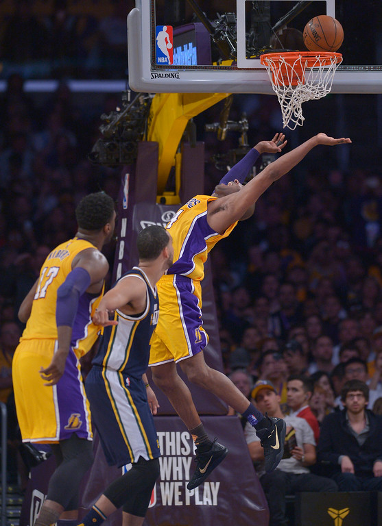 . Los Angeles Lakers forward Kobe Bryant #24 gets it to drop in the 2nd quarter. Kobe Bryant scored 60 points in his final game as a Los Angeles Laker, as the Lakers defeated the Utah Jazz 101-96. April 13, 2016. Los Angeles, CA.  (Photo by John McCoy/Southern California News Group)