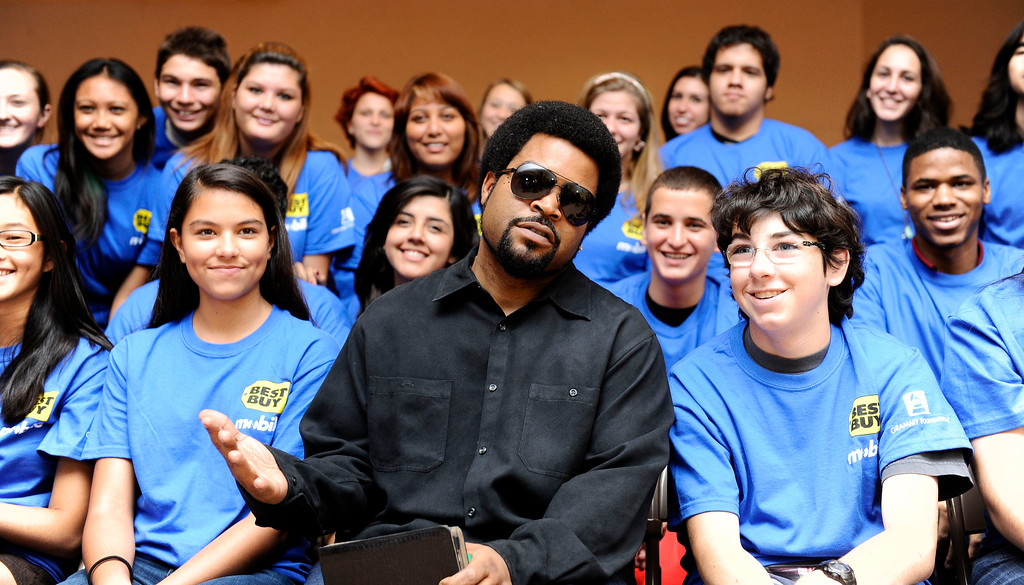 . Ice Cube sits next to students at his alma mater Taft High School Monday. October 3, 2011. Along with Ice Cube\'s appearance there was a presentation of a $5,000 donation on behalf of Best Buy Mobile and the Grammy Foundation to Taft High School in support of the school\'s music program. (Hans Gutknceht/Los Angeles Daily News)