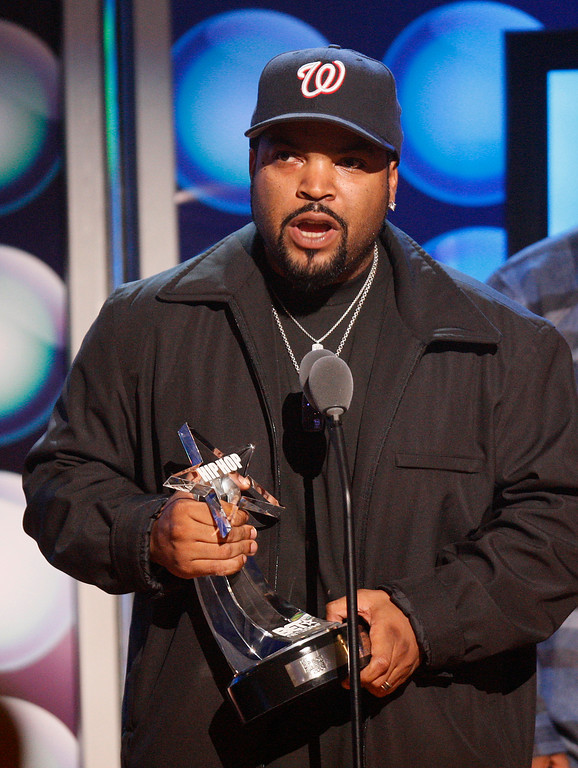. Rapper Ice Cube accepts the I AM Hip Hop Award during the taping of the BET Hip Hop Awards Saturday, Oct. 10, 2009 in Atlanta. (AP Photo/John Bazemore)