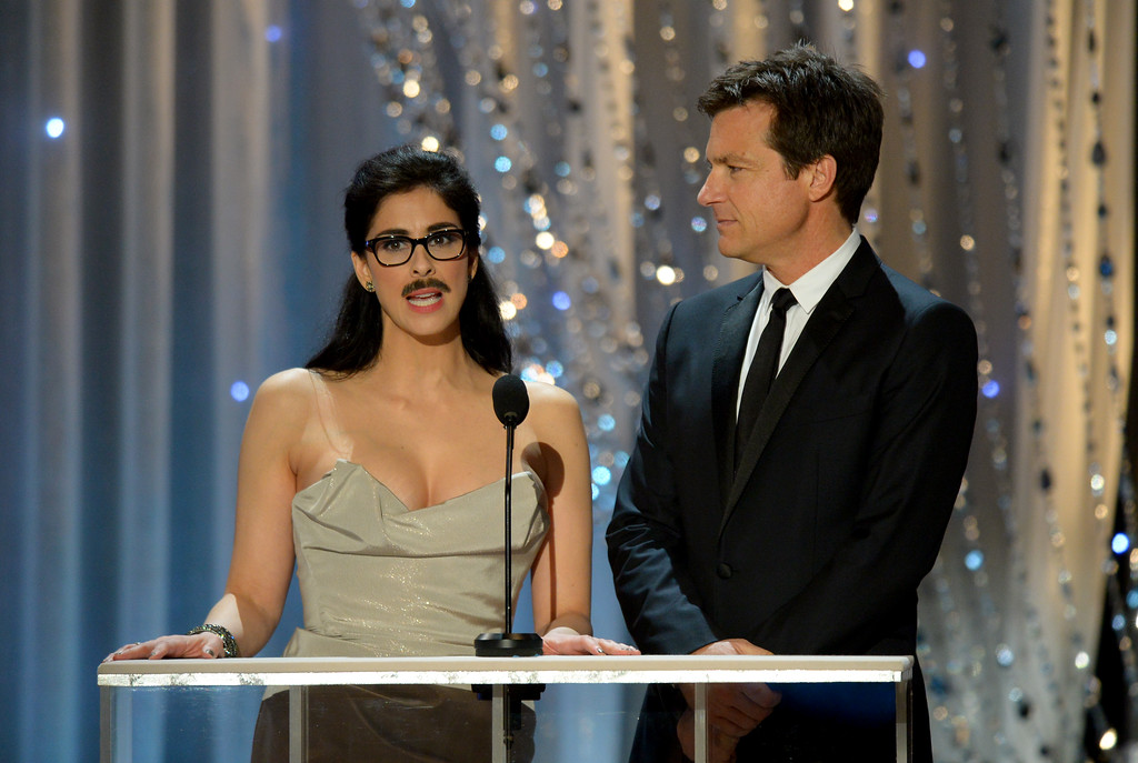 . Actors Sarah Silverman and Jason Bateman speak during the 22nd Annual Screen Actors Guild Awards on January 30, 2016. (David Crane/Los Angeles Daily News)