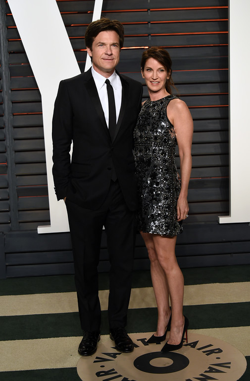 . Jason Bateman, left, and Amanda Anka arrive at the Vanity Fair Oscar Party on Sunday, Feb. 28, 2016, in Beverly Hills, Calif. (Photo by Evan Agostini/Invision/AP)