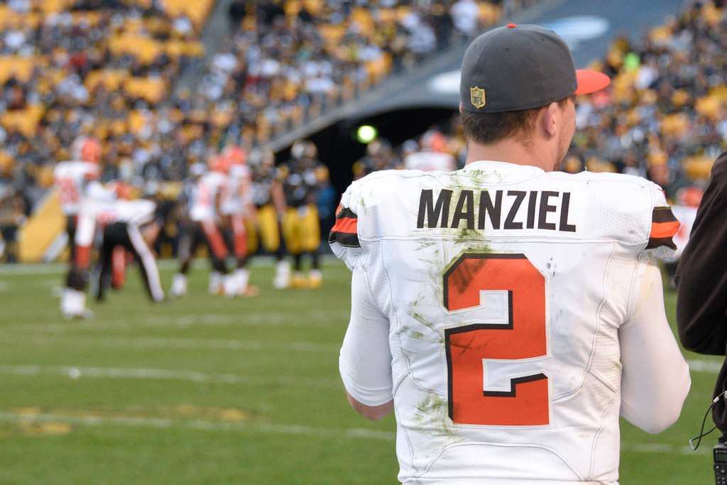 . Cleveland Browns quarterback Johnny Manziel (2) watches from the sideline as time runs down in the fourth quarter of an NFL football game against the Pittsburgh Steelers, Sunday, Nov. 15, 2015, in Pittsburgh. The Steelers won 30-9. (AP Photo/Don Wright)