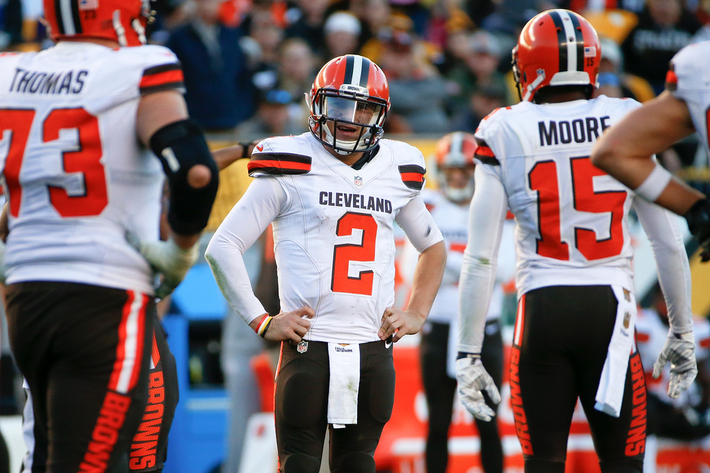 . Cleveland Browns quarterback Johnny Manziel (2) plays during an NFL football game against the Pittsburgh Steelers, Sunday, Nov. 15, 2015, in Pittsburgh. (AP Photo/Gene J. Puskar)