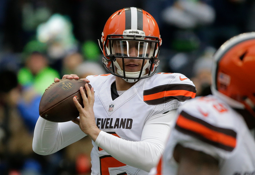 . Cleveland Browns quarterback Johnny Manziel drops back to pass against the Seattle Seahawks in the first half of an NFL football game, Sunday, Dec. 20, 2015, in Seattle. (AP Photo/Ted S. Warren)