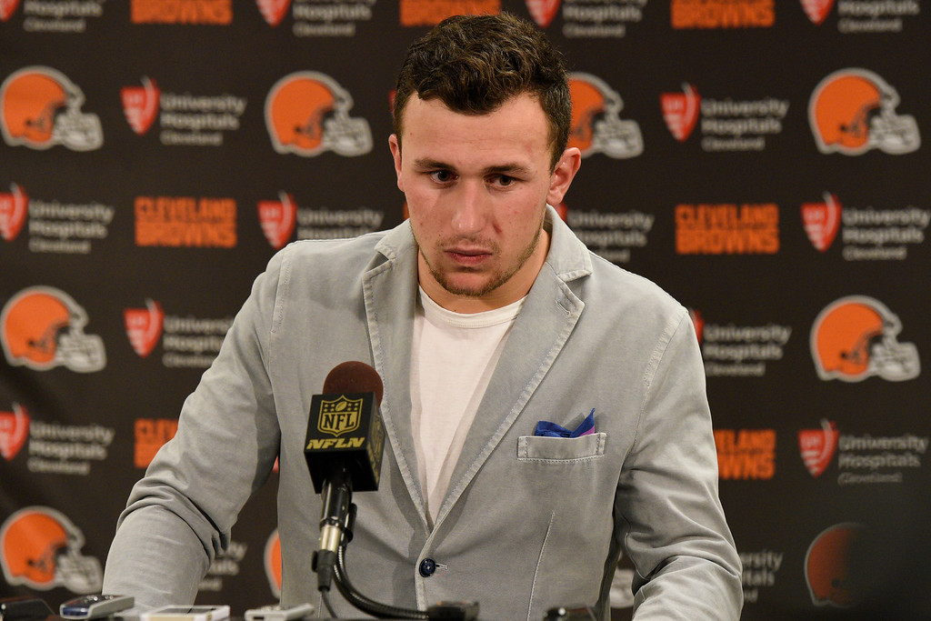 . Cleveland Browns quarterback Johnny Manziel attends a post-game news conference after an NFL football game against the Pittsburgh Steelers in Pittsburgh, Sunday, Nov. 15, 2015. The Steelers won 30-9.(AP Photo/Don Wright)