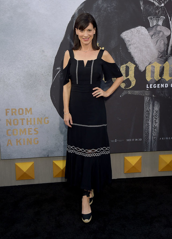 ". HOLLYWOOD, CA - MAY 08:  Actor Perrey Reeves attends the premiere of Warner Bros. Pictures\' ""King Arthur: Legend Of The Sword\"" at TCL Chinese Theatre on May 8, 2017 in Hollywood, California.  (Photo by Matt Winkelmeyer/Getty Images)"