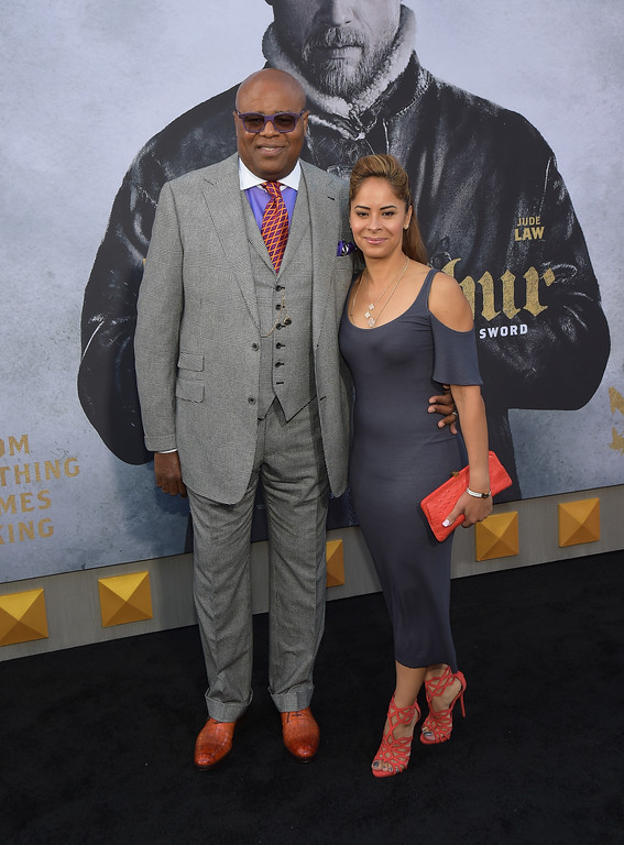 """. HOLLYWOOD, CA - MAY 08:  Actor Chi McBride (L) and Julissa McBride attend the premiere of Warner Bros. Pictures\' \""""King Arthur: Legend Of The Sword\"""" at TCL Chinese Theatre on May 8, 2017 in Hollywood, California.  (Photo by Matt Winkelmeyer/Getty Images)"""