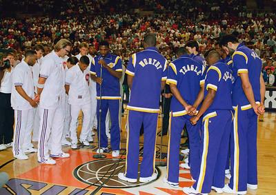 Magic Johnson Lakes And Suns Pray 1991