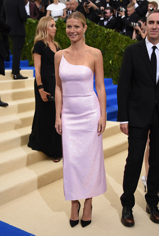 . Gwyneth Paltrow attends The Metropolitan Museum of Art\'s Costume Institute benefit gala celebrating the opening of the Rei Kawakubo/Comme des Garçons: Art of the In-Between exhibition on Monday, May 1, 2017, in New York. (Photo by Evan Agostini/Invision/AP)