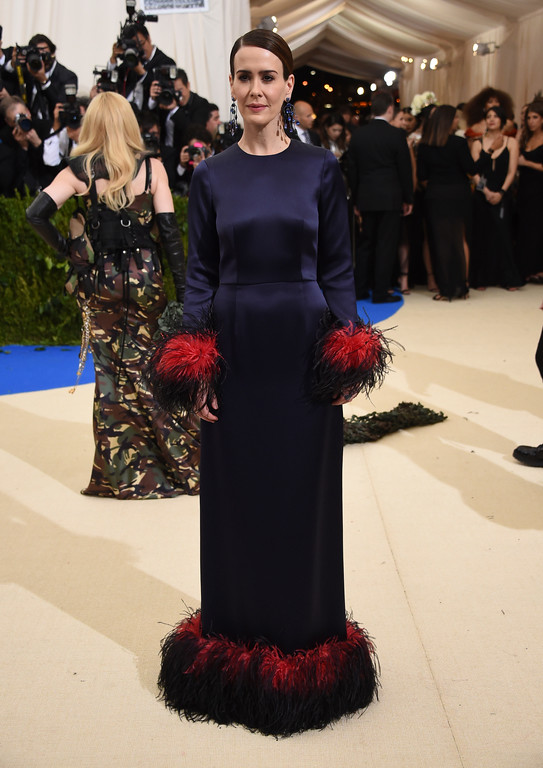 . Sarah Paulson attends The Metropolitan Museum of Art\'s Costume Institute benefit gala celebrating the opening of the Rei Kawakubo/Comme des Garçons: Art of the In-Between exhibition on Monday, May 1, 2017, in New York. (Photo by Evan Agostini/Invision/AP)