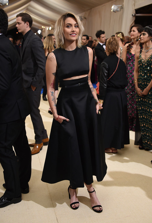 . Paris Jackson attends The Metropolitan Museum of Art\'s Costume Institute benefit gala celebrating the opening of the Rei Kawakubo/Comme des Garçons: Art of the In-Between exhibition on Monday, May 1, 2017, in New York. (Photo by Evan Agostini/Invision/AP)